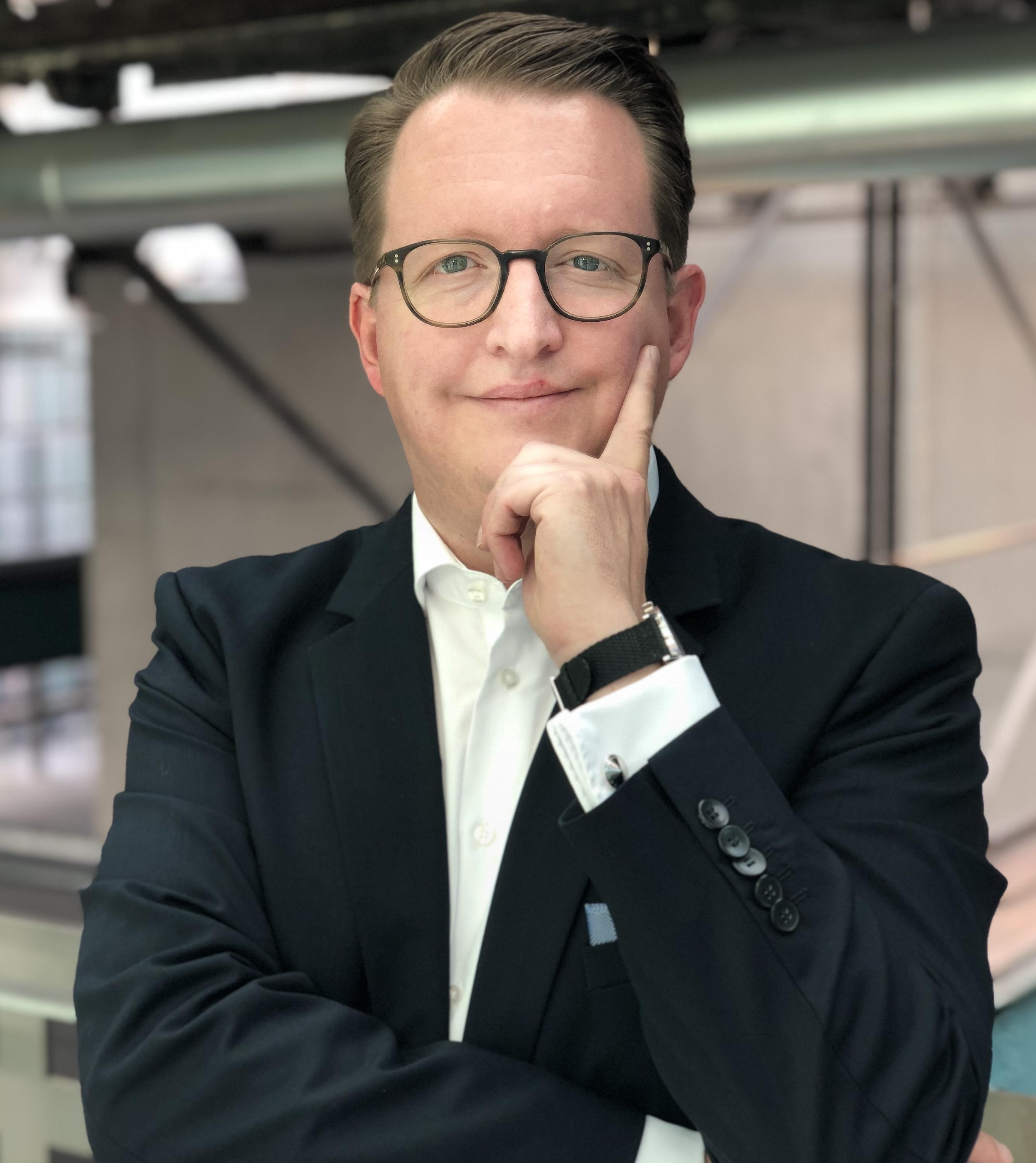 Expert Marketplace -  Jan-Oliver Hess - Portrait