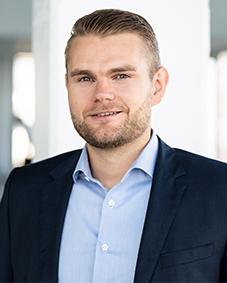 Expert Marketplace -  Philipp Riedel  - Portrait