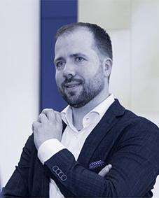 Expert Marketplace - Dr. Alexander Bode