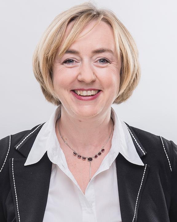 Expert Marketplace - Prof. Dr.  Claudia Bünte - Portrait