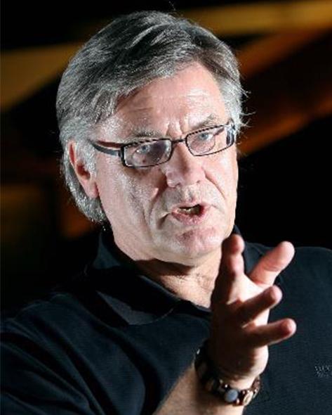 Expert Marketplace -  Helmut Roleder - Portrait