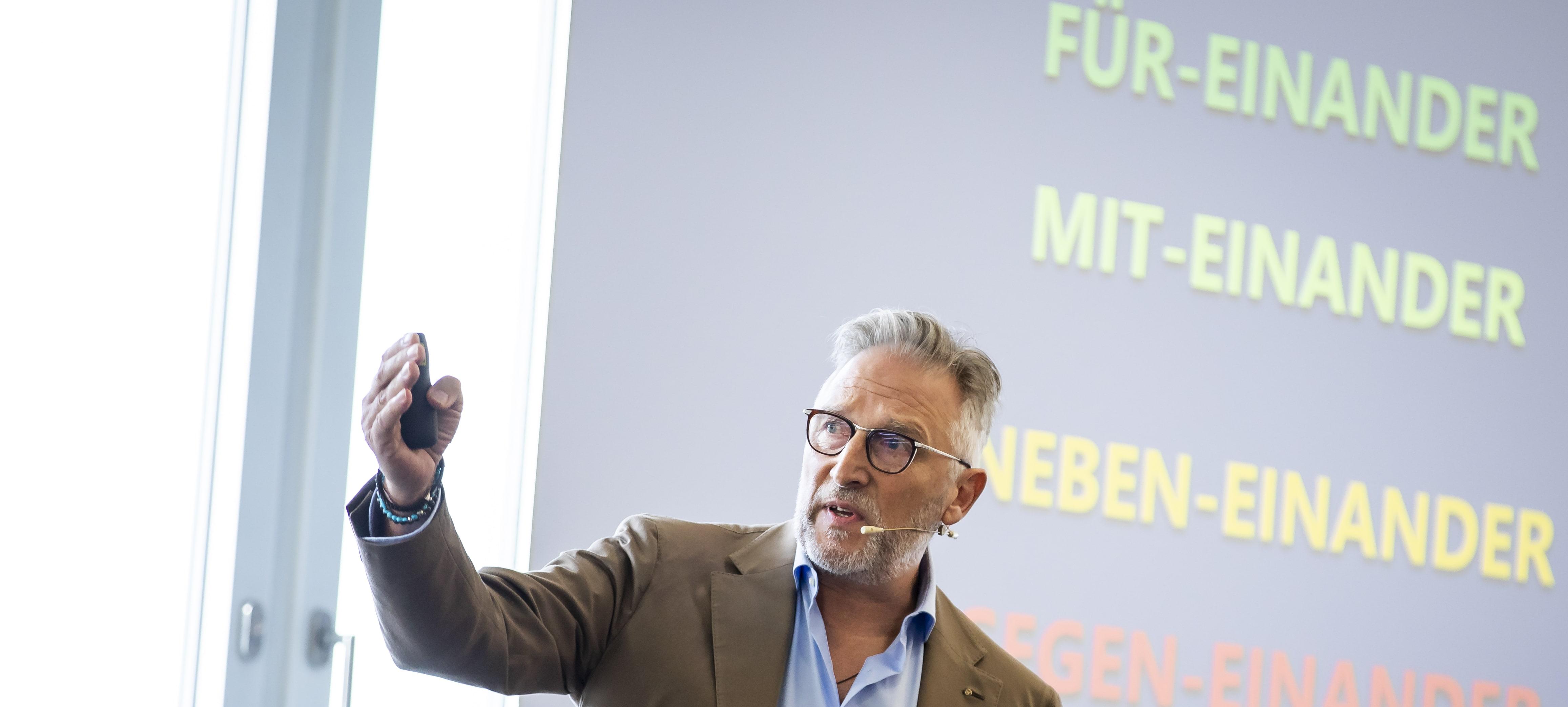 Expert Marketplace -  Wolfgang Walter Wulle