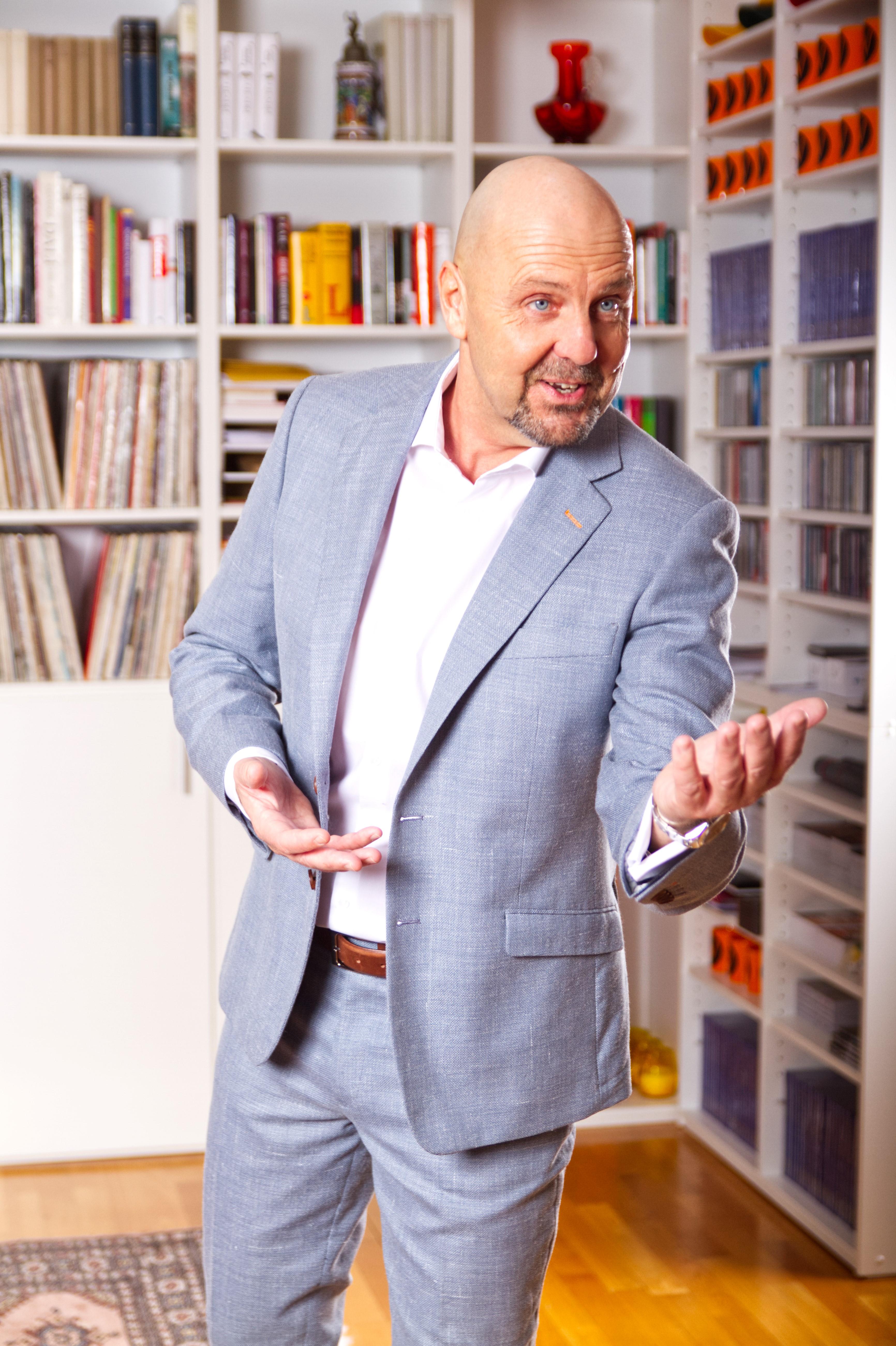 Expert Marketplace -  Oliver Vogelhuber - Portrait