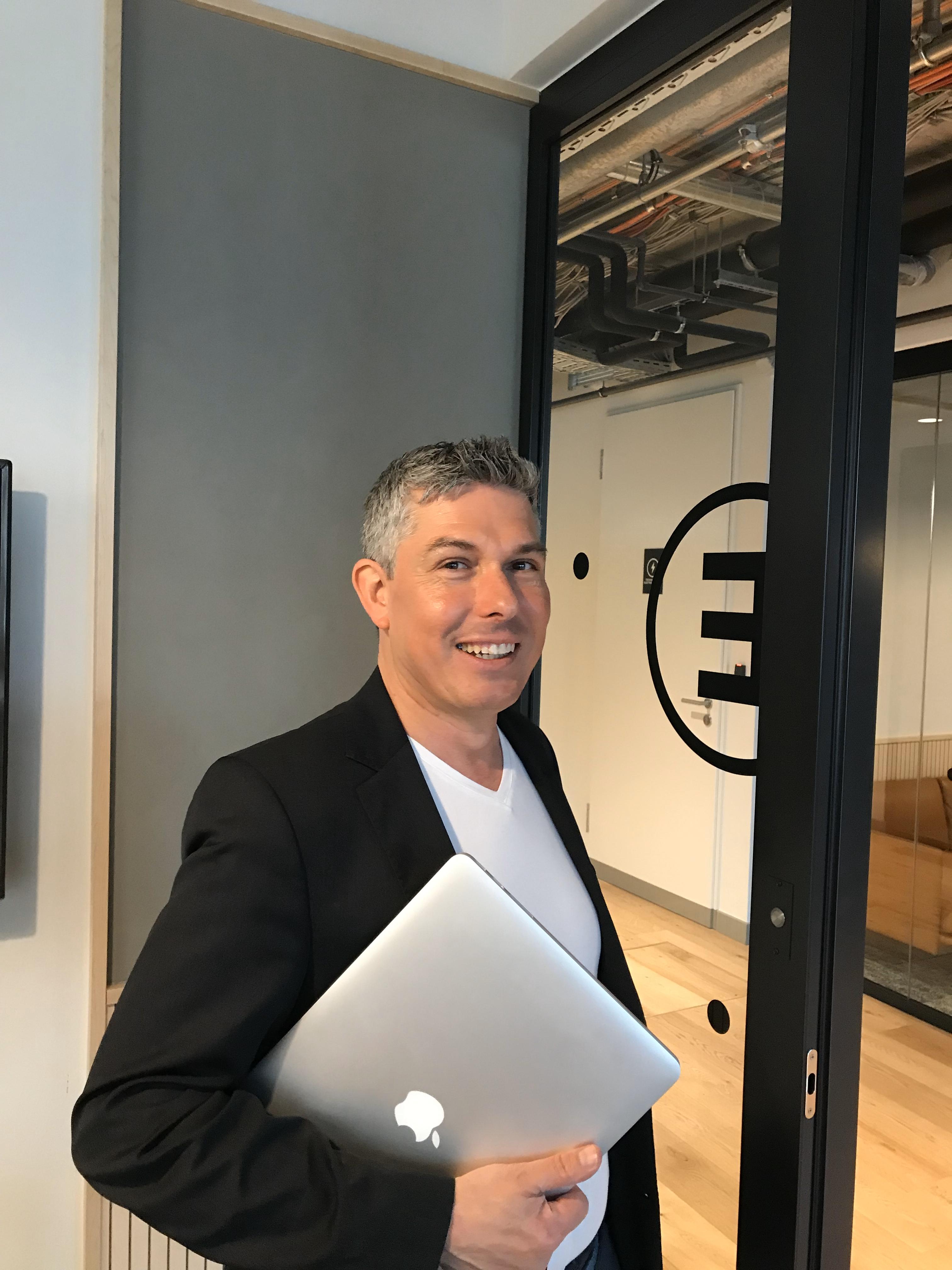 Expert Marketplace -  Tim Cortinovis - Impressionen eins